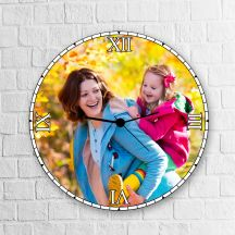 Personalized Round Shaped Clock by GiftsOnn