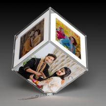White Color Led Rotating Photo Cube/Frame